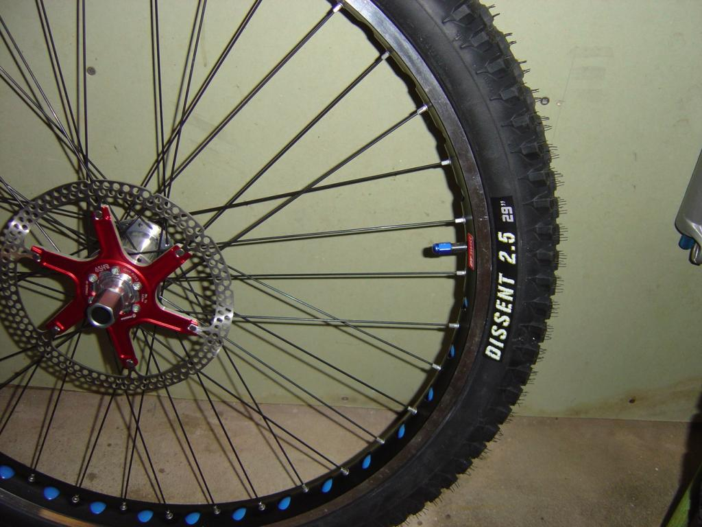 Clues about Surly's newest (fat?)bike-dh-29ers-1.jpg