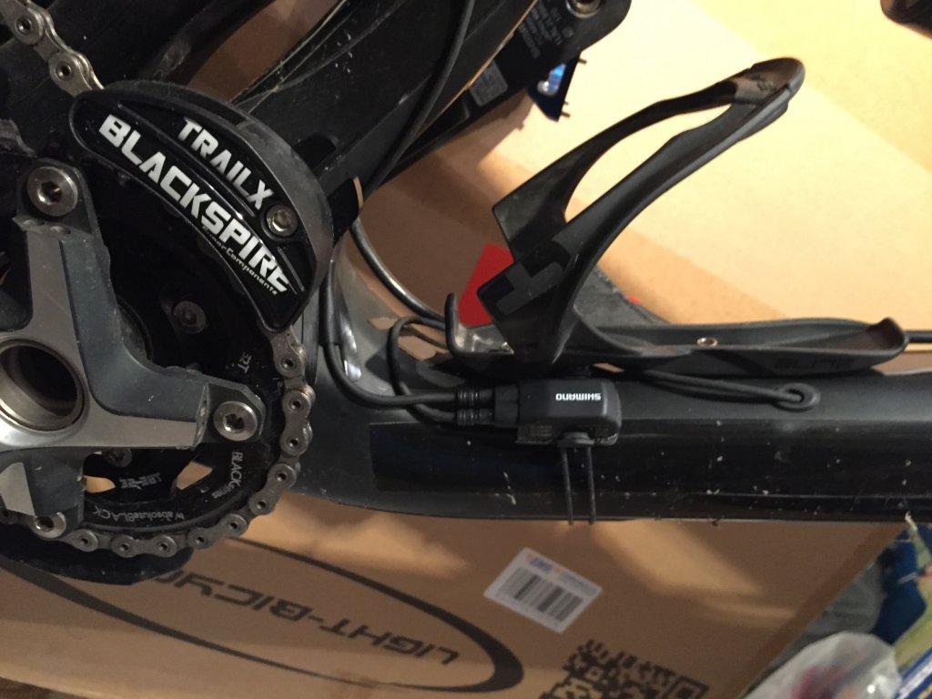 Shimano XTR Di2 1 x 11 setup-di2-eww01-transmitter.jpg