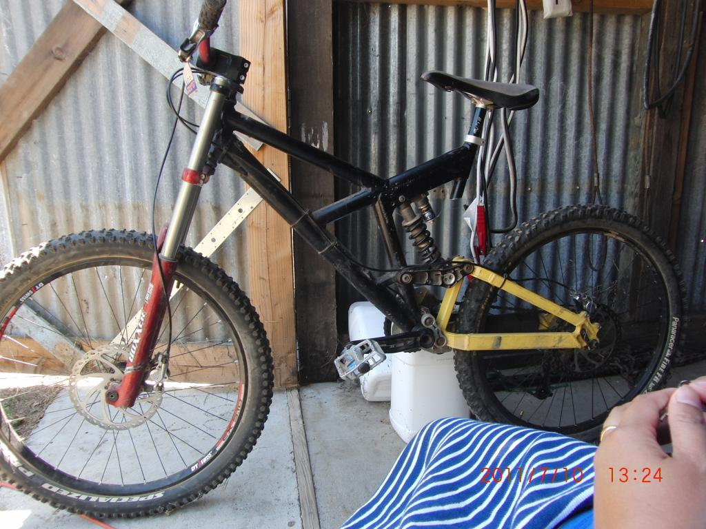 Old School DH bikes-diegos-graduation-440.jpg