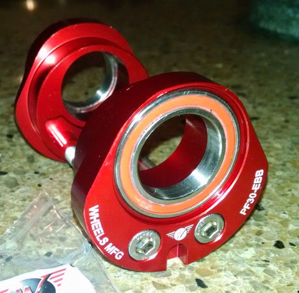 Wheels Manufacturing BB30/PF30 eccentric-diver1.jpg