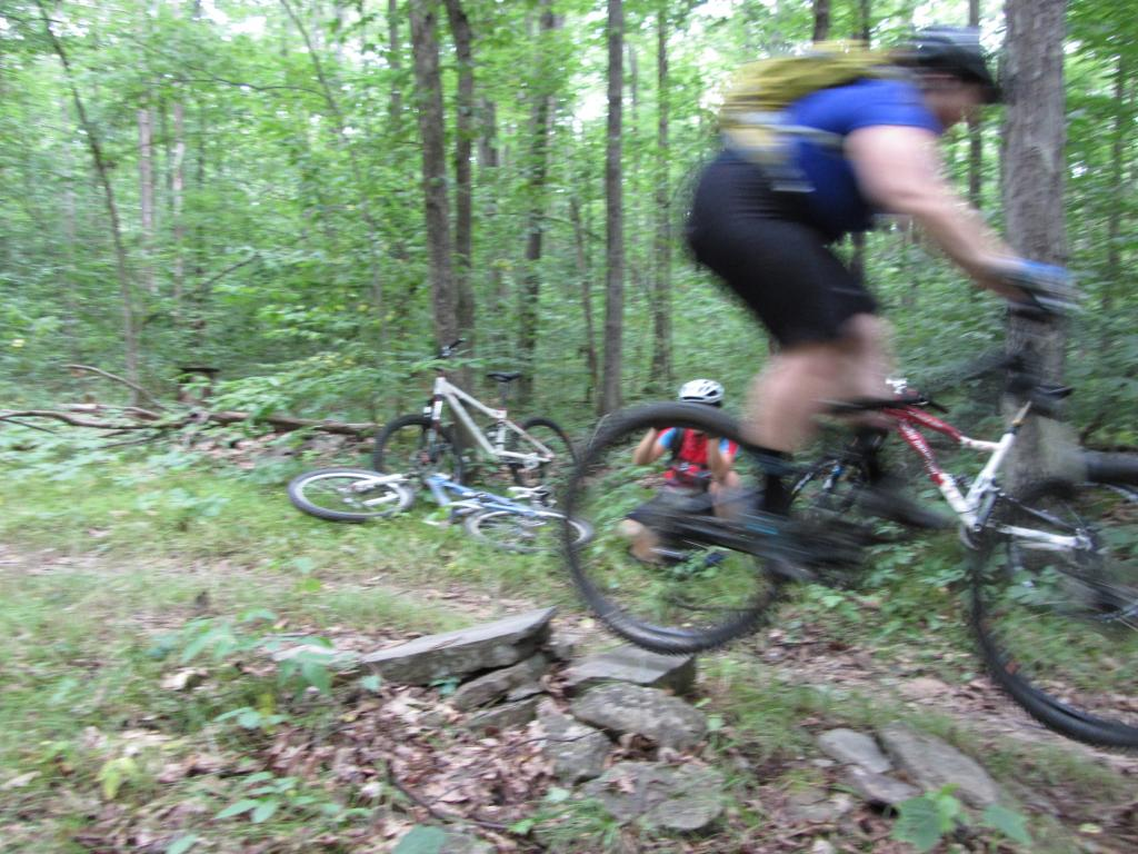 Dirt Rock n Root Training-drnr-jumping-4.jpg