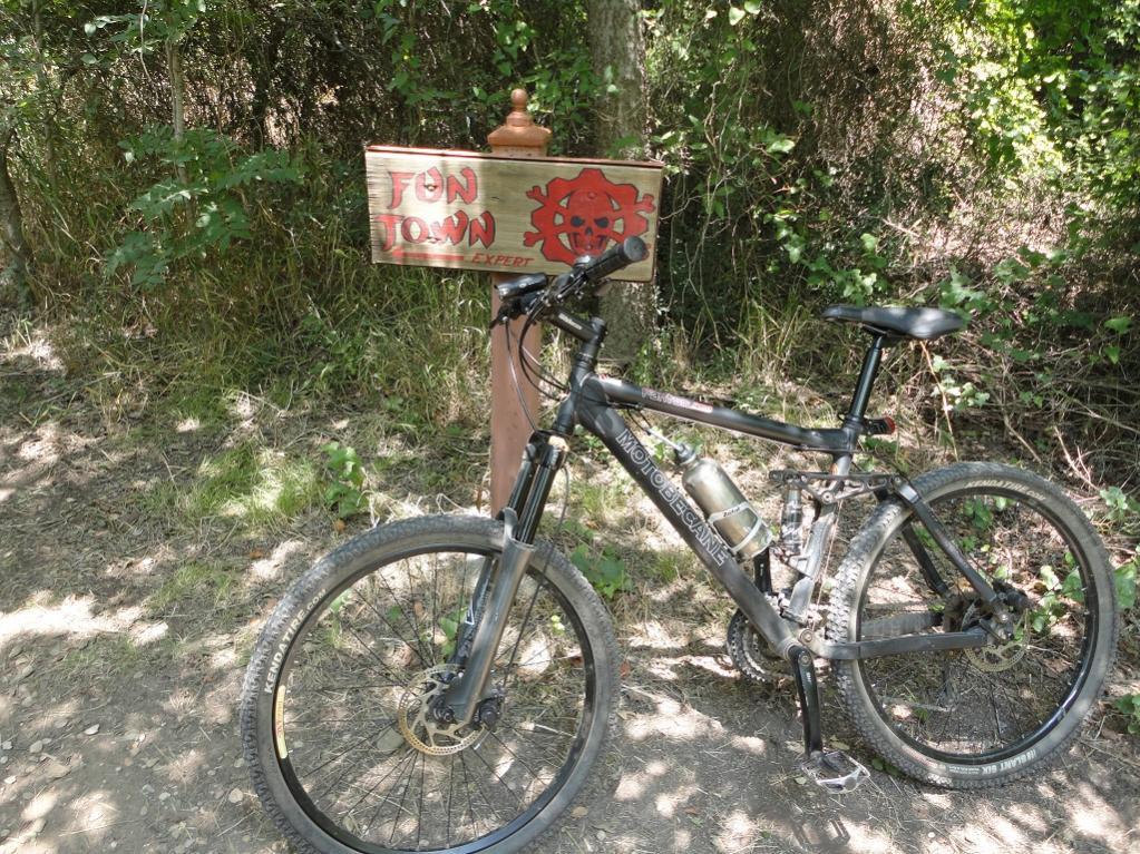 Post pics of your moto.-dsc00243.jpg