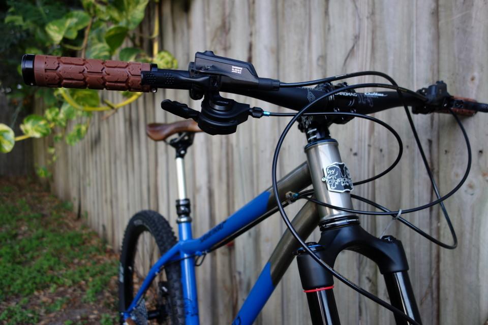Build dream frame or buy a Jamis-dsc00411corner.jpg