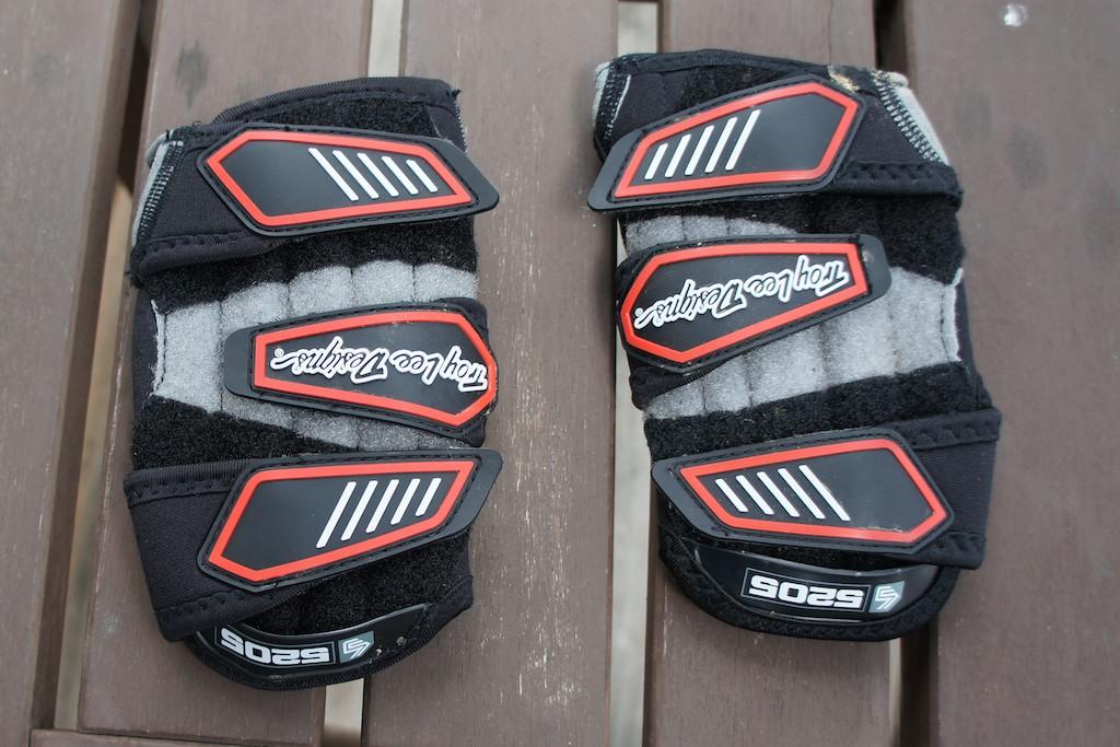Troy Lee Designs 5205 Wrist Guard Review-dsc00796.jpg