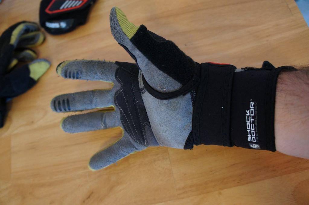 Troy Lee Designs 5205 Wrist Guard Review-dsc00800.jpg