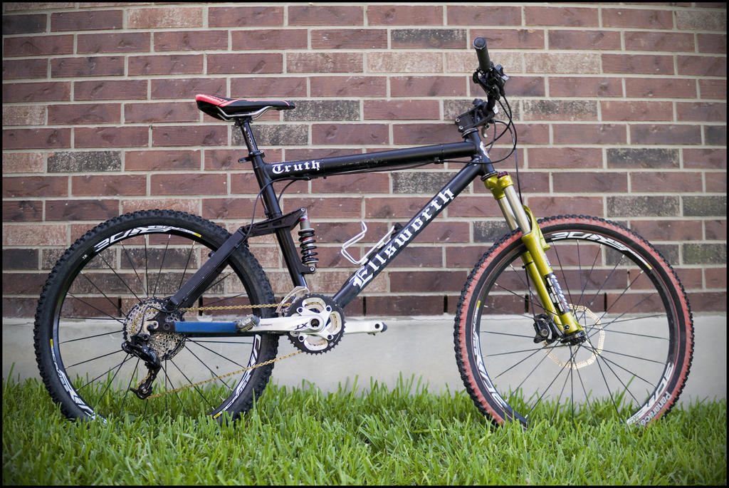 Show us a picture of your 26er MTB that you still use on the trails-dsc01438_1080.jpg