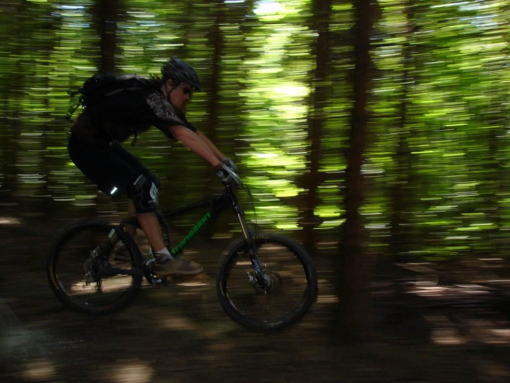 Transition Bikes in midair!-dsc02680-%5B1024x768%5D.jpg