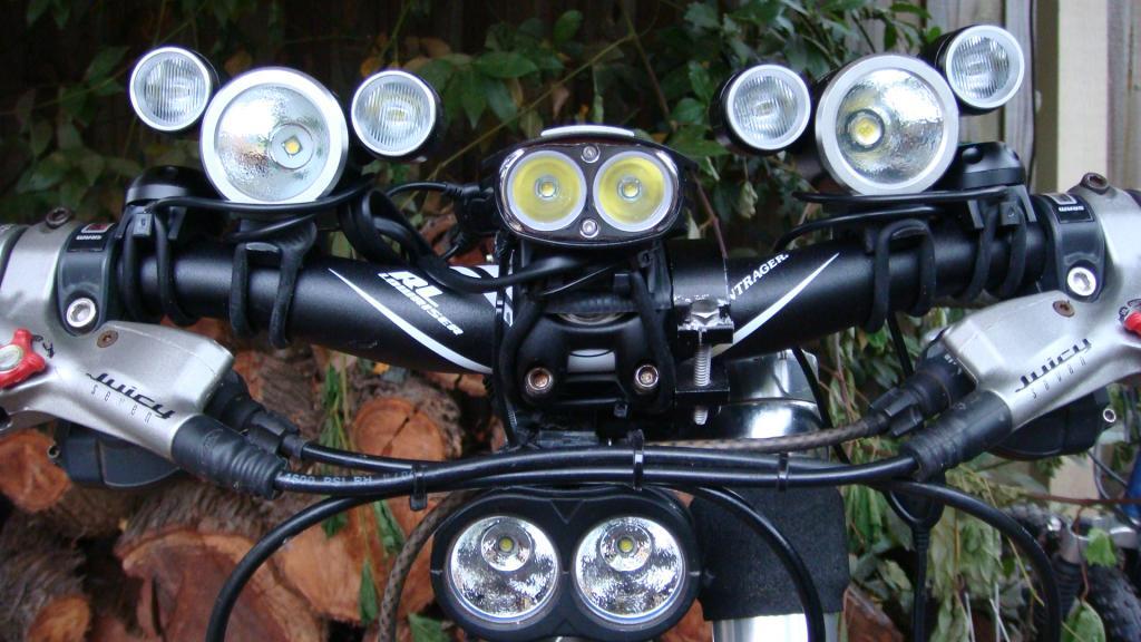http://forums.mtbr.com/attachments/lights-night-riding/683679d1332511099-magicshine-mj-880-mj816e-dsc03882.jpg
