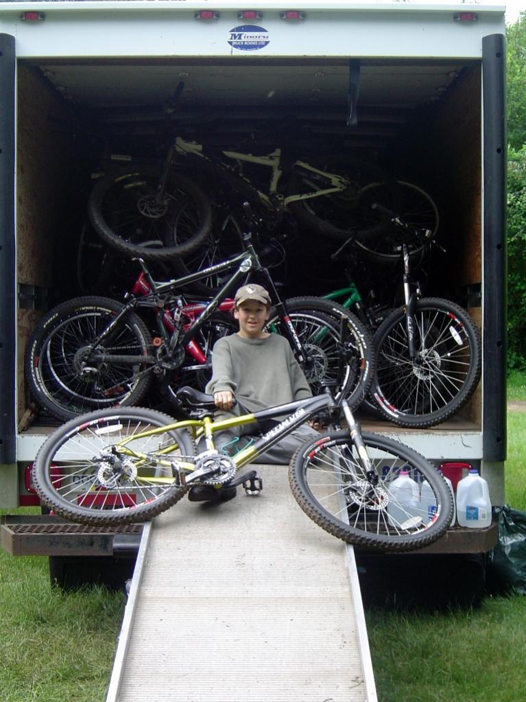 Post up your vans/mini-vans that haul your rigs-dsc03882.jpg