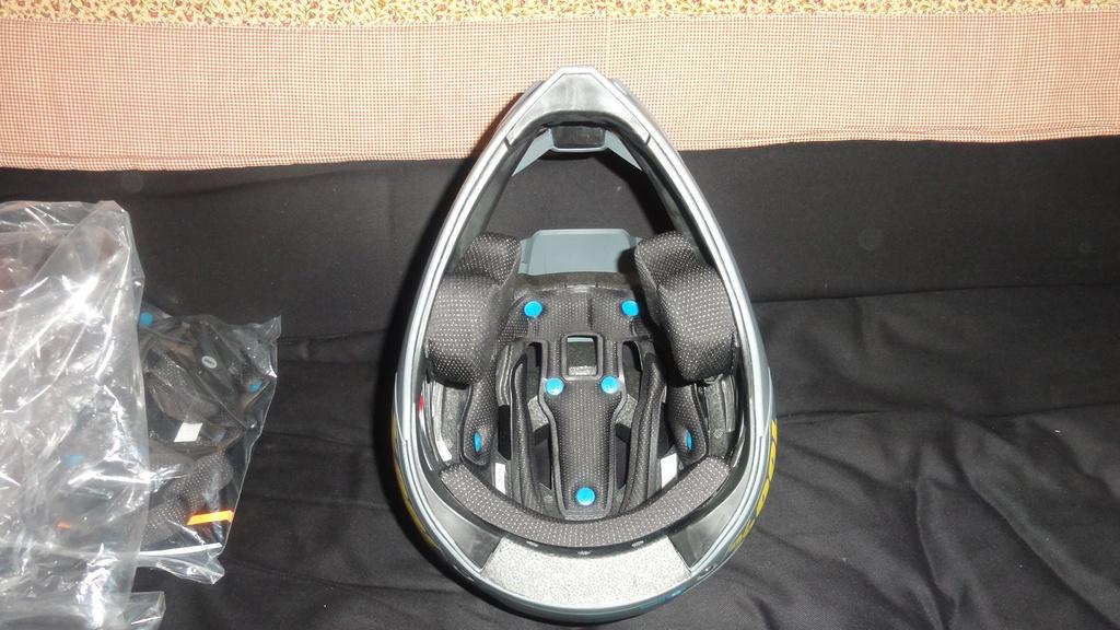 Full face enduro helmet shootout thread (non-removable chin guards)-dsc05815.jpg