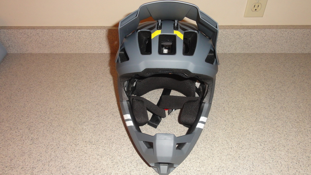 Full face enduro helmet shootout thread (non-removable chin guards)-dsc05817.jpg
