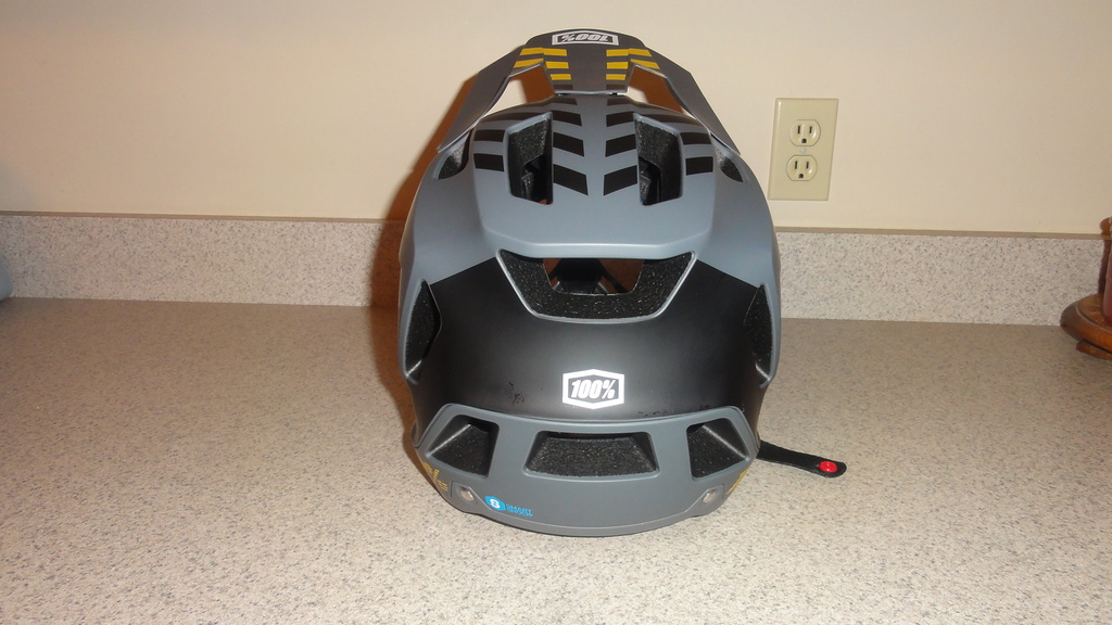 Full face enduro helmet shootout thread (non-removable chin guards)-dsc05818.jpg