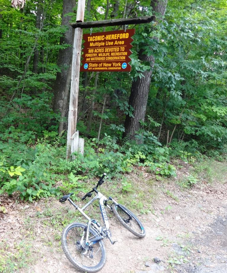 Bike + trail marker pics-dsc06727x.jpg