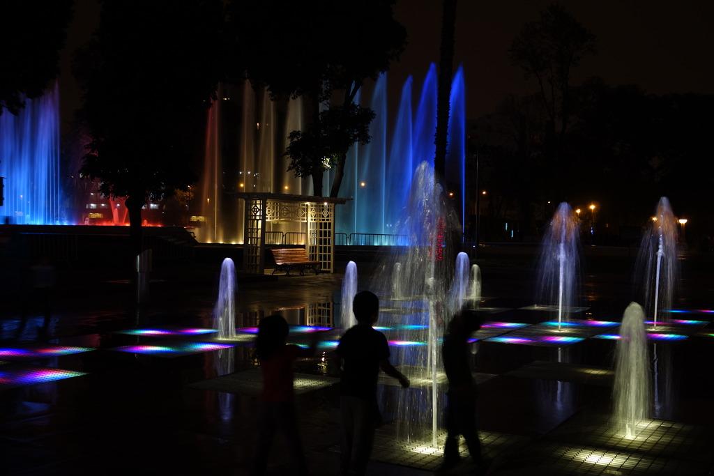 Night Photography - Post your shots!-dsc08960_zpsmxusagyf.jpg