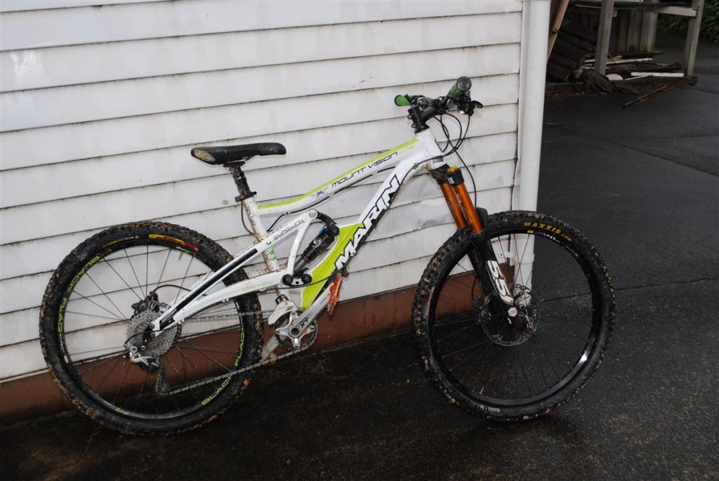 Show us a picture of your 26er MTB that you still use on the trails-dsc_0001-custom-.jpg