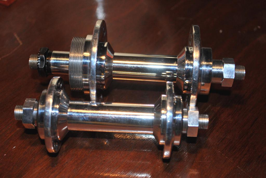 Any ideas on these hubs?-dsc_0002.jpg
