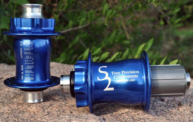 True Precision hubs, now in blue-dsc_0046.jpg