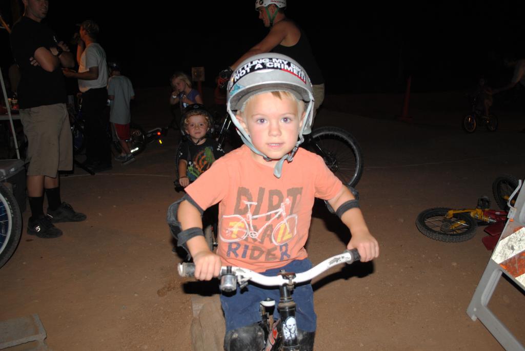 McDowell Mountain PUMPTRACK PARTY under the lights September 10, 2011-dsc_0346.jpg