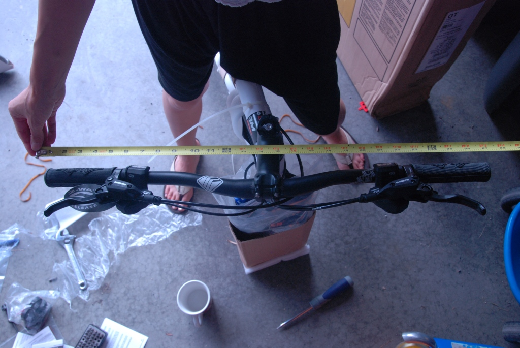 Just got my new 2013 GT Karakoram 29er, has the following issues out of the box.-dsc_0480.jpg