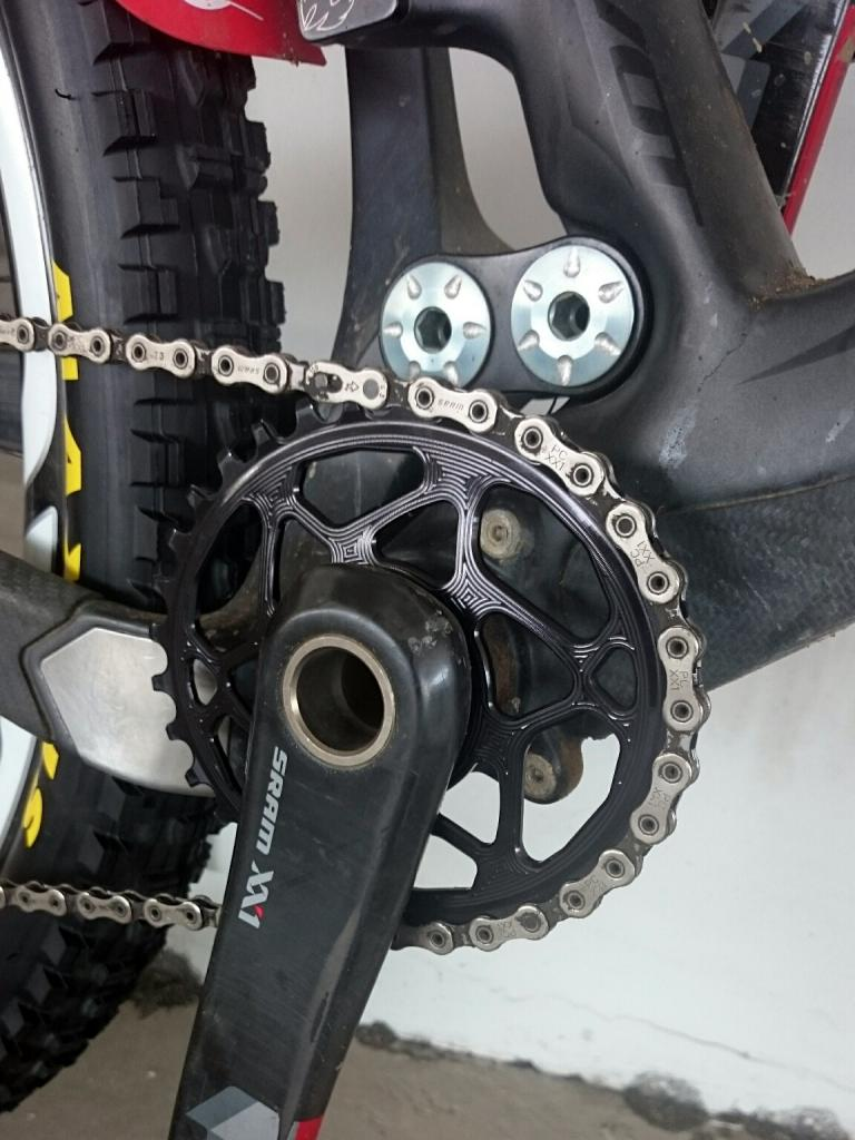 Absolute Black Oval Chainring-dsc_0625_zpsngkj45sj.jpg