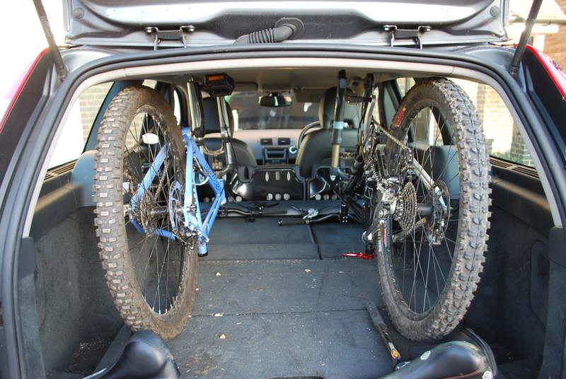 Volvo V50 Wagon Cargo Space-dsc_09792.jpg