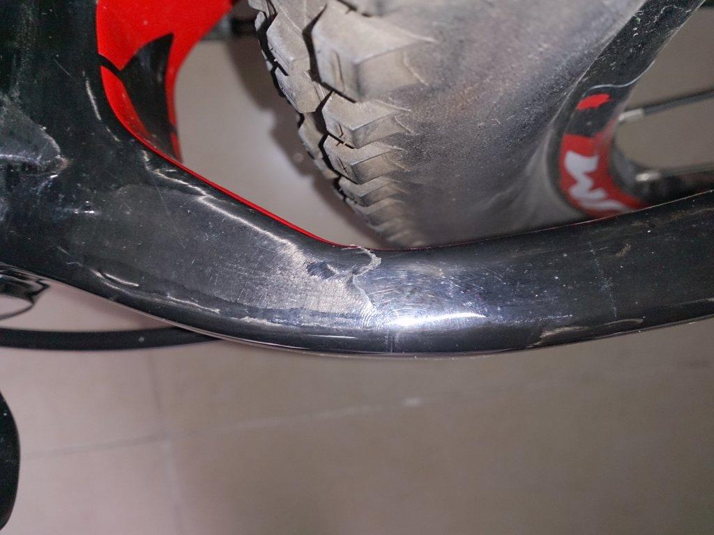 HELP!! carbon frame crack or just paint crack??-dsc_1807.jpg