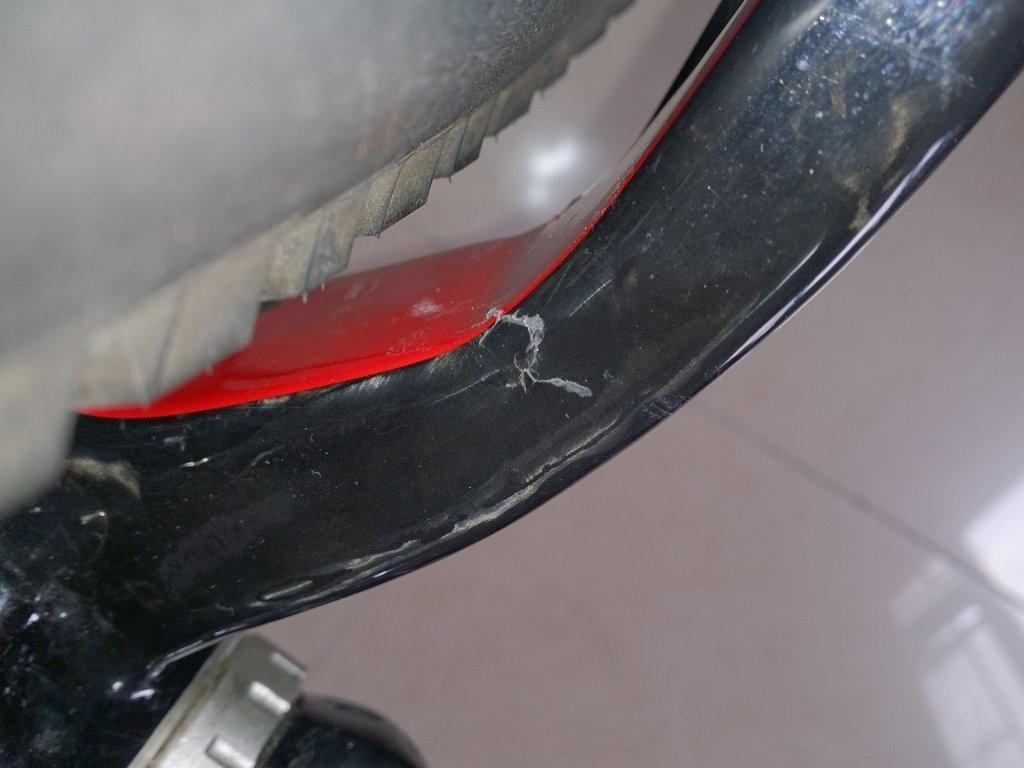 HELP!! carbon frame crack or just paint crack??-dsc_1811.jpg