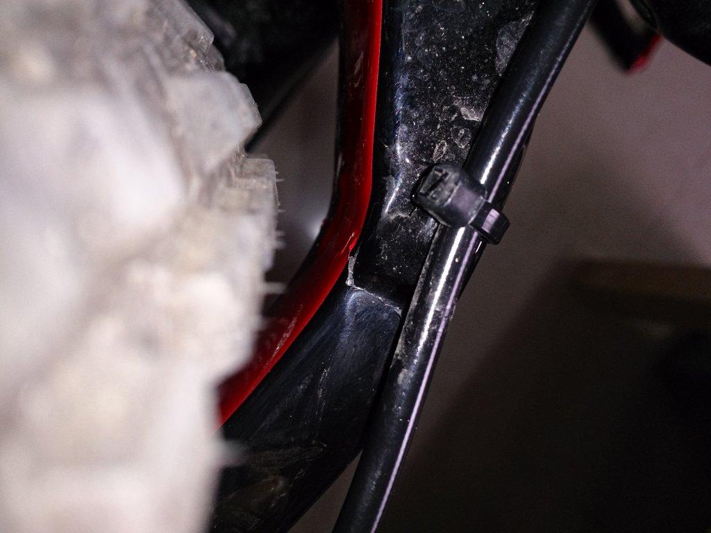 HELP!! carbon frame crack or just paint crack??-dsc_1842.jpg