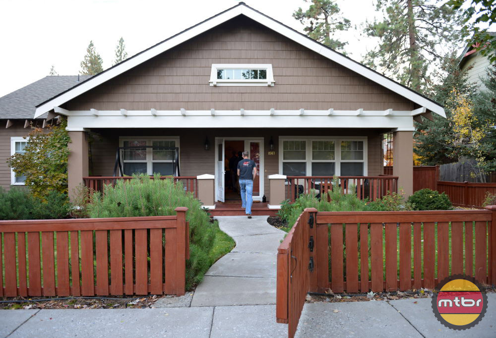 Alpenglow Vacation Rentals West side Bend home