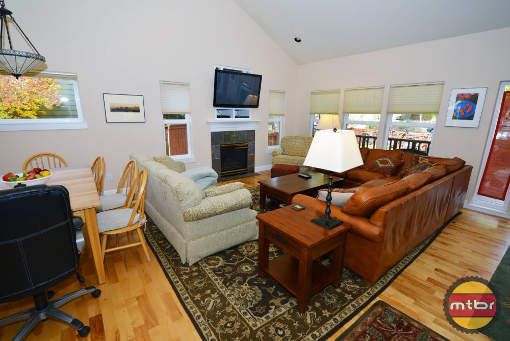 Alpenglow Vacation Rentals House Living Room