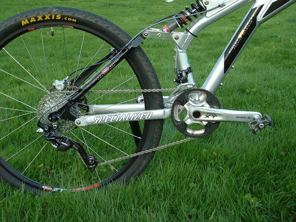 23c1498b873 My 1998 and 1999 Specialized Ground Control FSR bikes-dscf0014.jpg