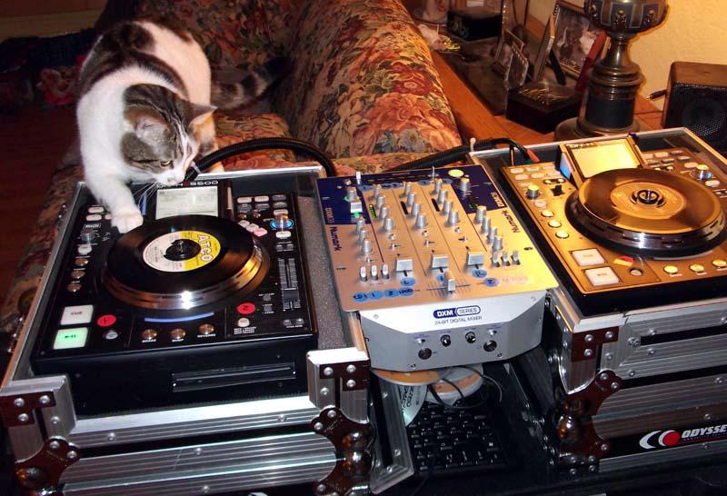 Show us your DJ system-dscf0209.jpg.jpeg