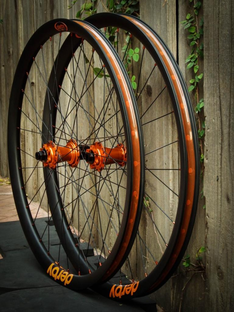 Lets see some blinged out wheelsets..I9,CK,Hope..anything goes!-dscf1057-2.jpg