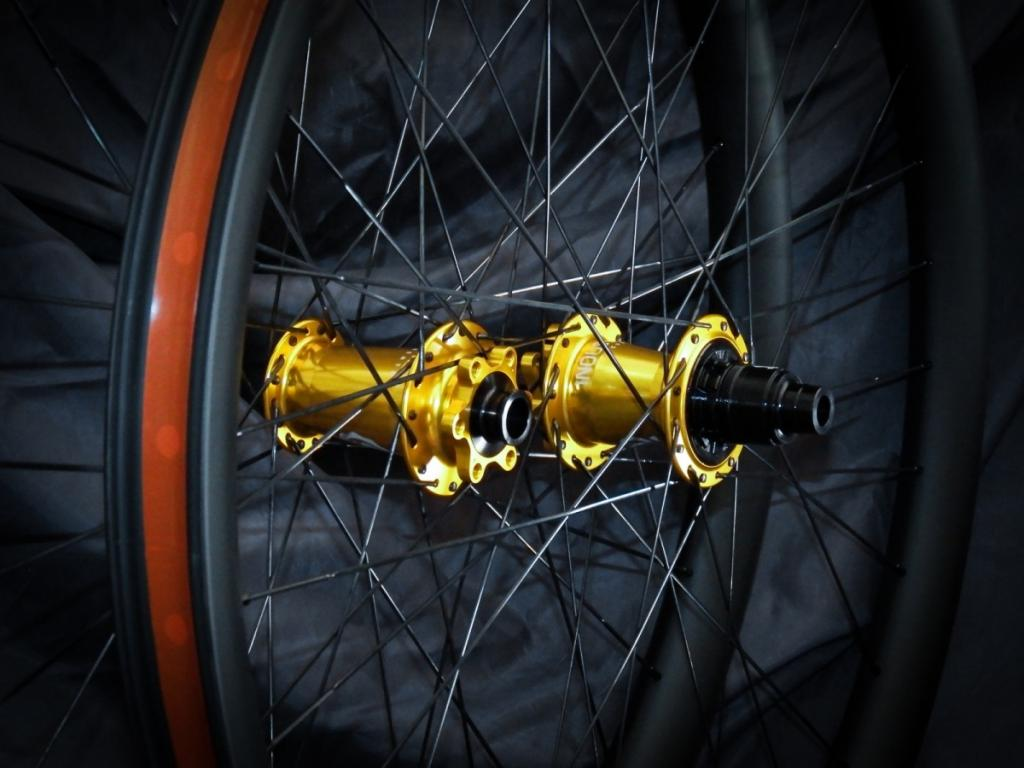 Lets see some blinged out wheelsets..I9,CK,Hope..anything goes!-dscf1674_01.jpg