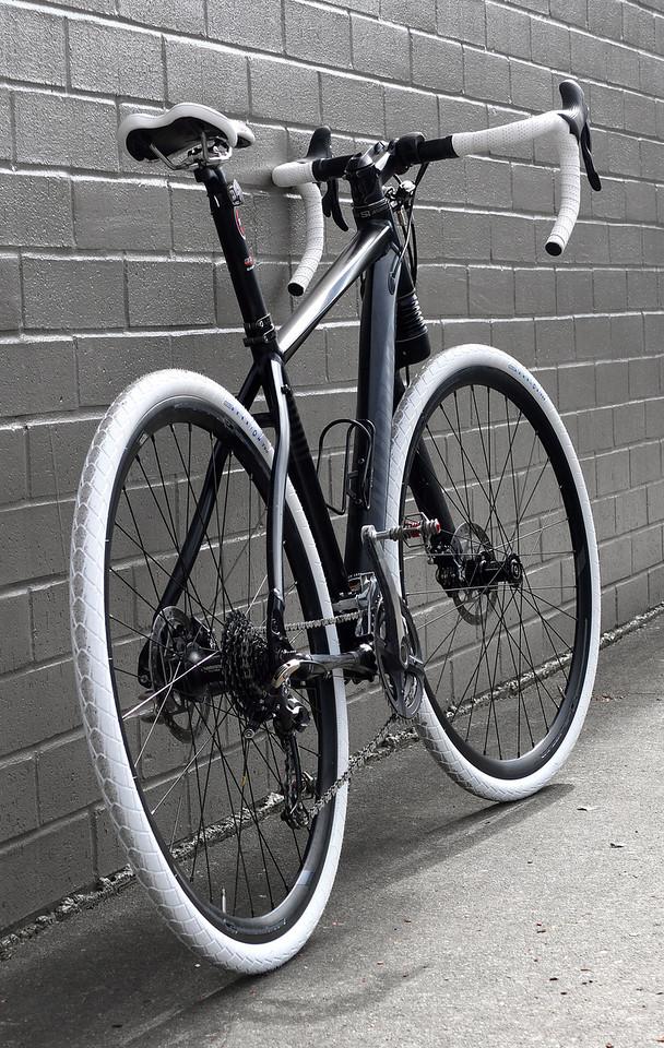 How do we build ourselves a fast road bike... that isn't a road bike?-dscf3928-x2.jpg