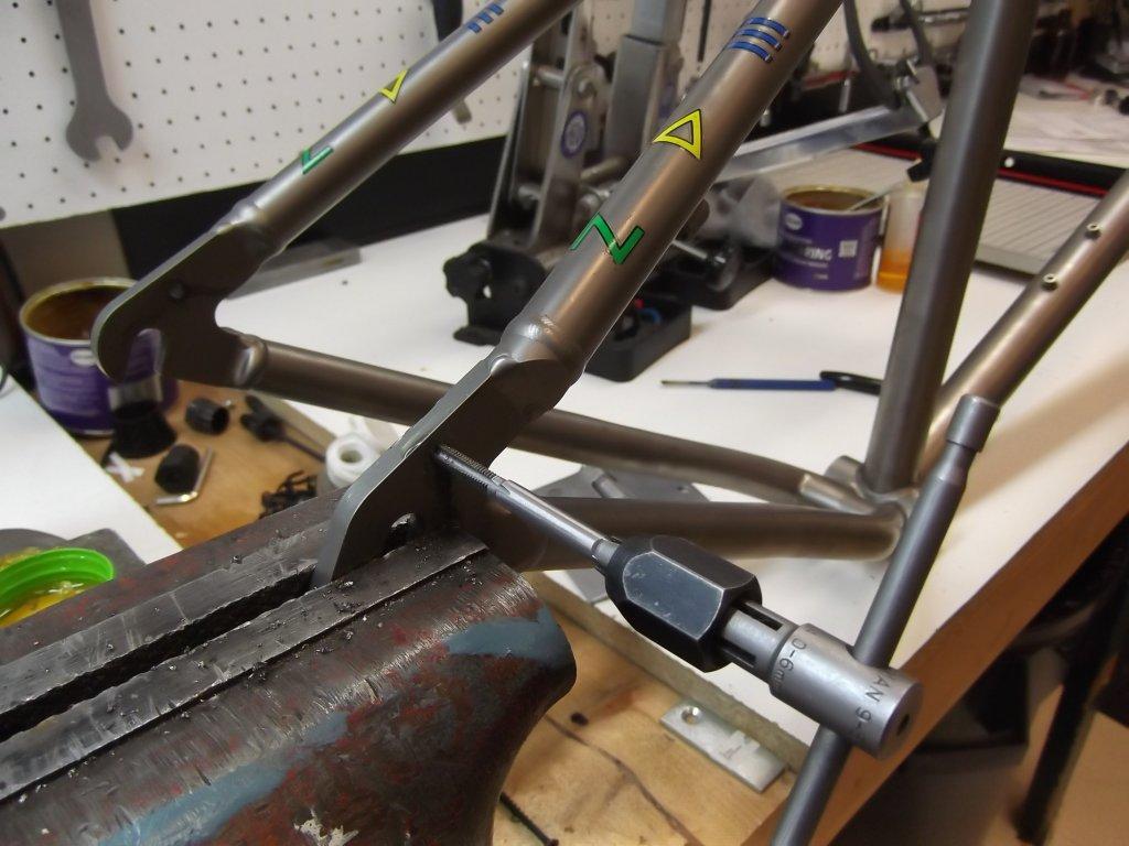 Swapped frames today.  Dean titanium.-dscf8553.jpg