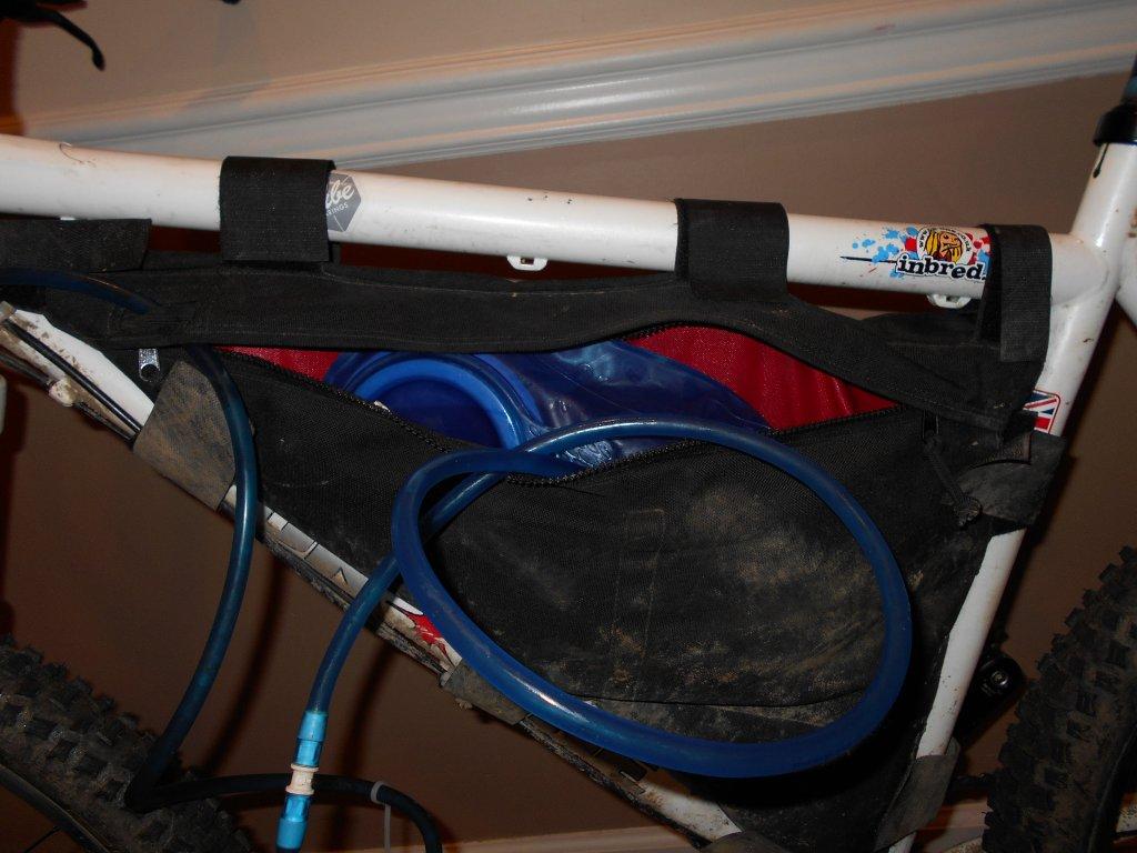 Hydration Bladder in a frame bag?-dscn0013.jpg