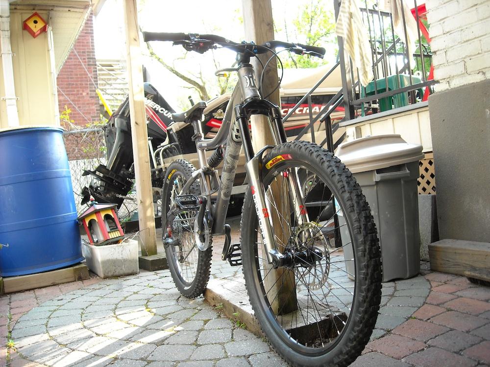 Too clean to be true (I love my bike)-dscn0016_web.jpg