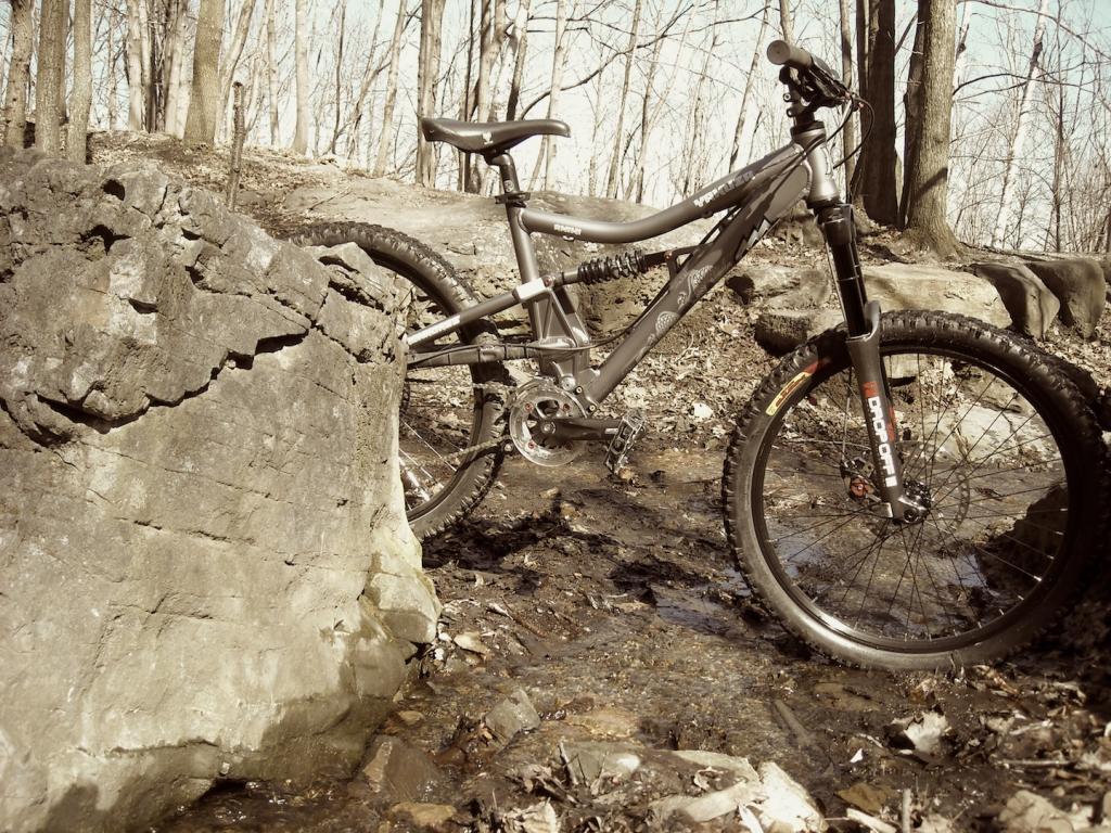 Too clean to be true (I love my bike)-dscn0043.jpg