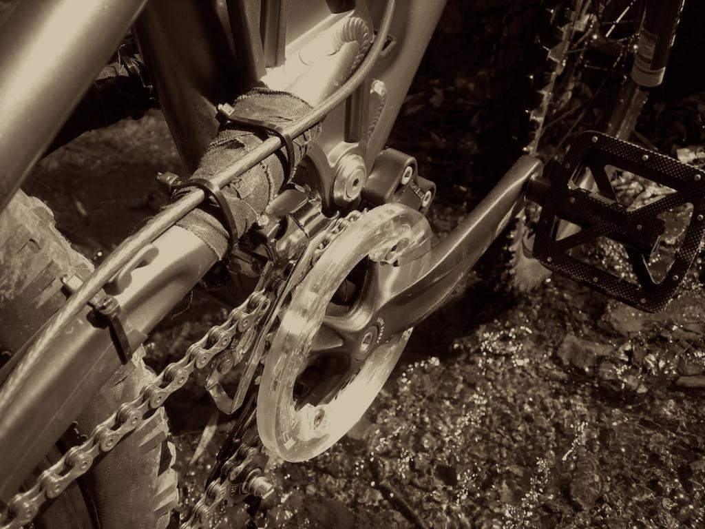 Too clean to be true (I love my bike)-dscn0052.jpg