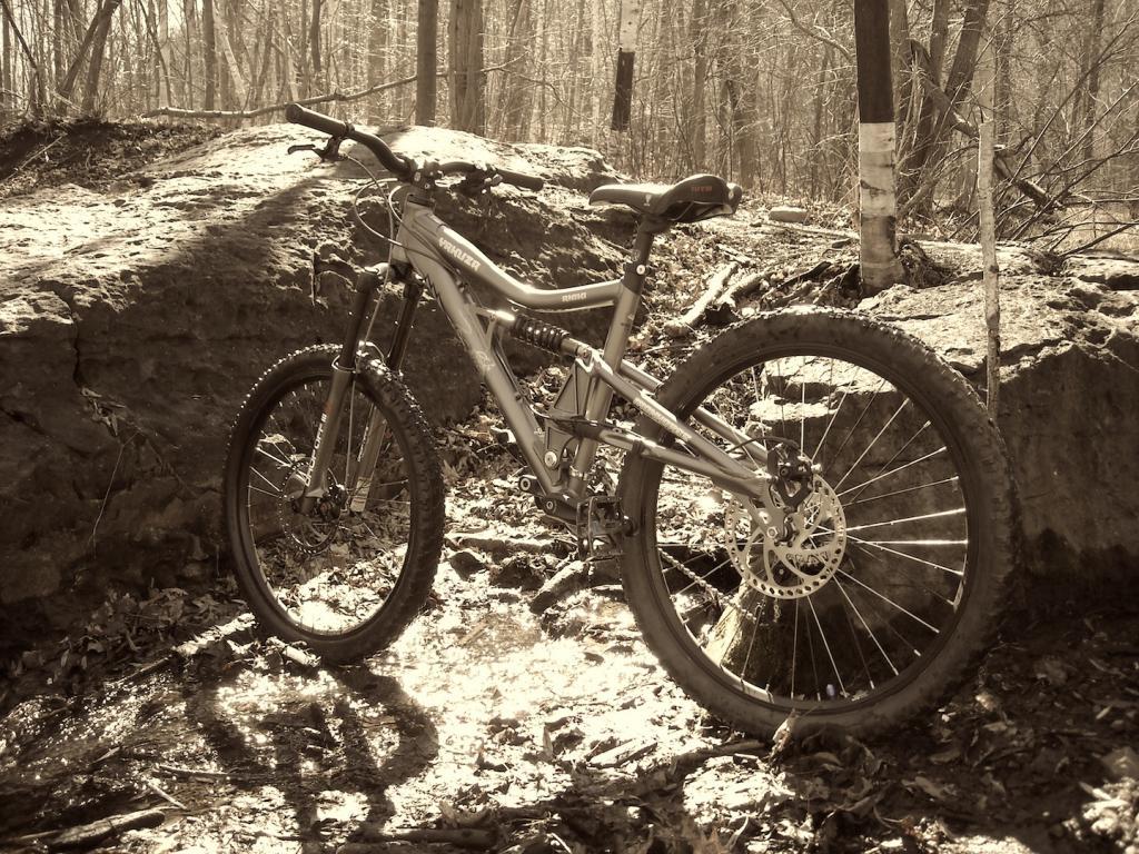 Too clean to be true (I love my bike)-dscn0054.jpg