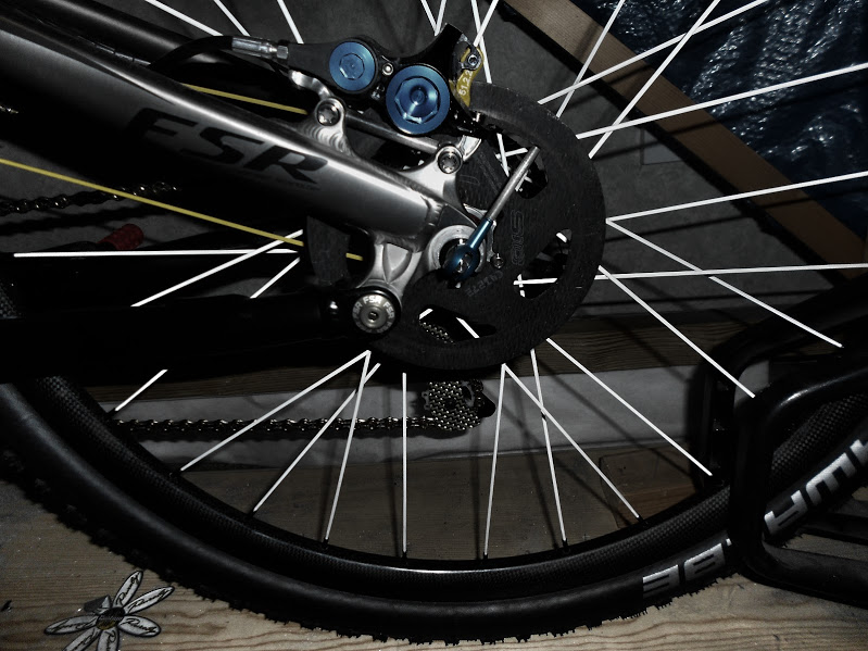 7.9kg alloy full suss in large with discbrakes, inner tubes and bottleage-dscn0066%5B1%5D.jpg