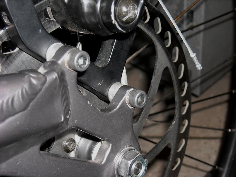 Adaptor bolts ?-dscn0225_web.jpg