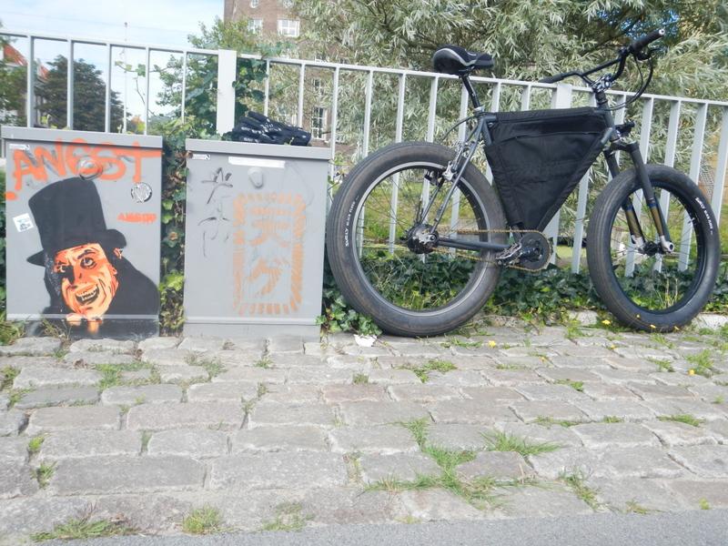 Graffitti....seen any....Post some Pics..-dscn0876.jpg
