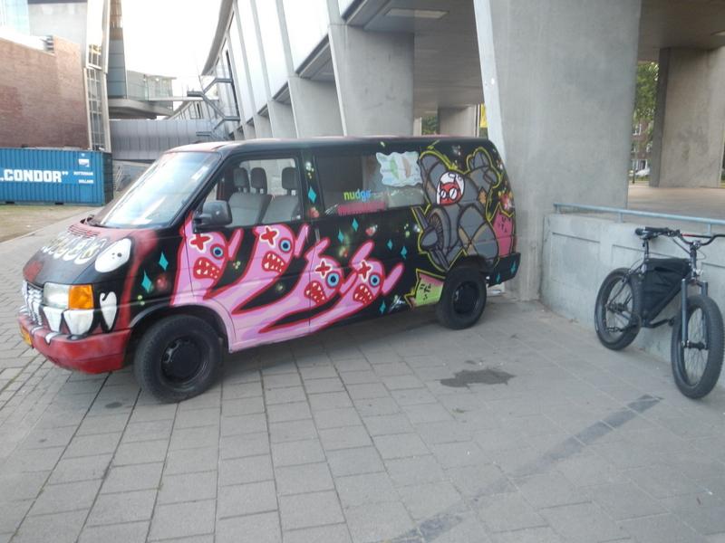 Graffitti....seen any....Post some Pics..-dscn1037.jpg
