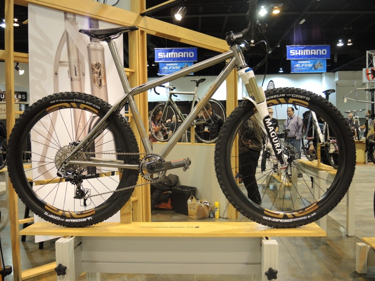 Moots 650B YBB with new Mavic Wheels.-dscn1130.jpg