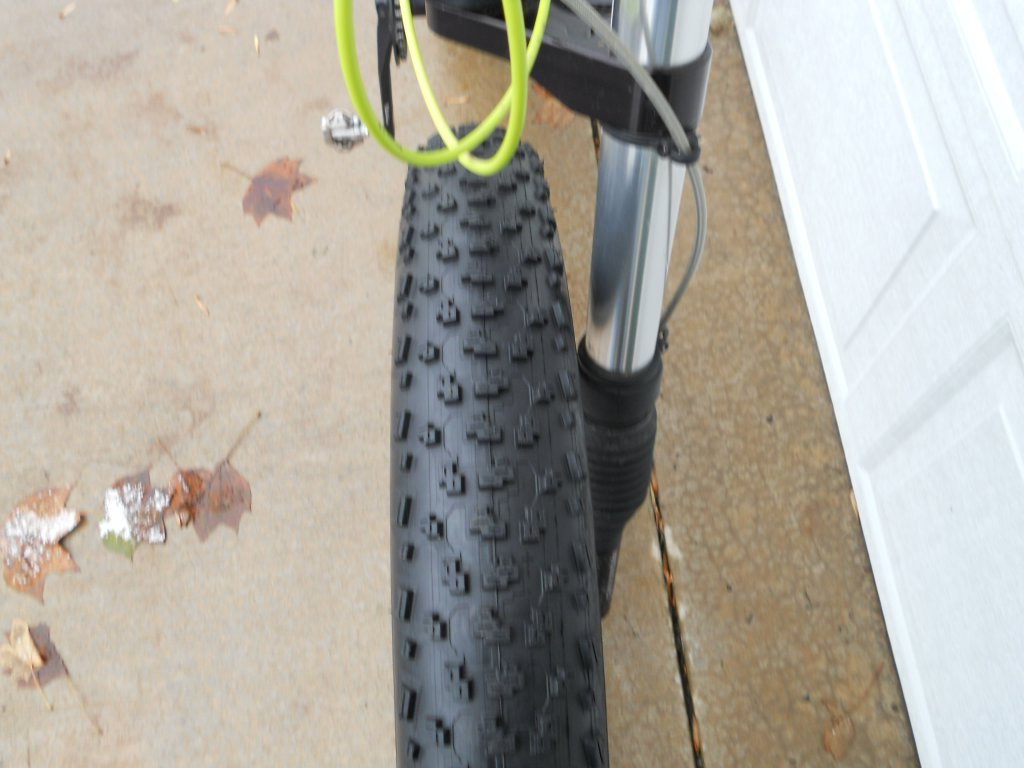 FAtback/ Speedway Tires?-dscn1184.jpg