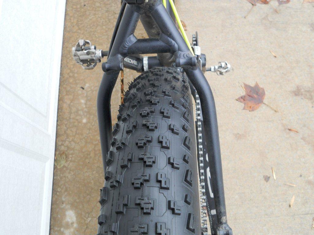 FAtback/ Speedway Tires?-dscn1185.jpg