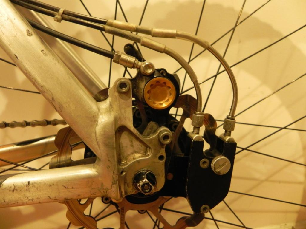 Rohloff Cable Housing-dscn1293.jpg