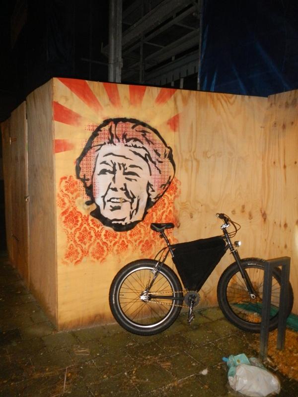 Graffitti....seen any....Post some Pics..-dscn1403.jpg